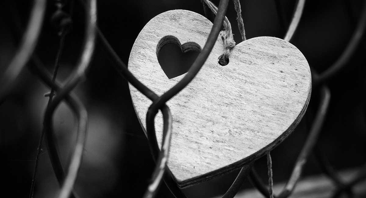 """Aşk: Duyunun """"Din"""" Yapmış Duygusu"""